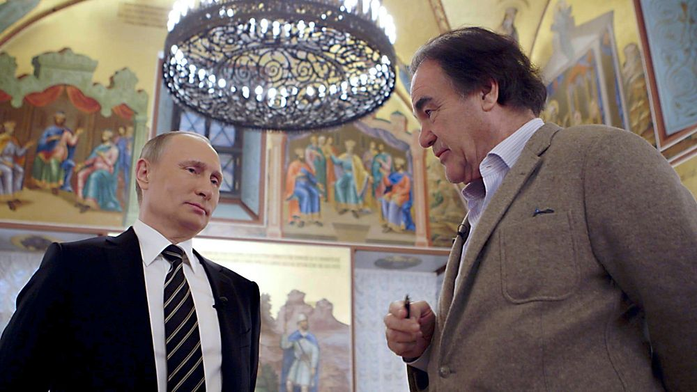 Блогер сказал, почему Стоун подыграл Путину сфальшивым видео