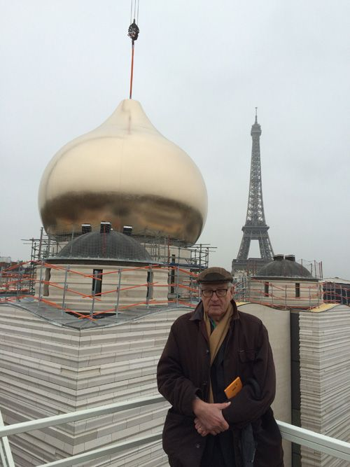 Париж. Установка купола на храме Святой Троицы
