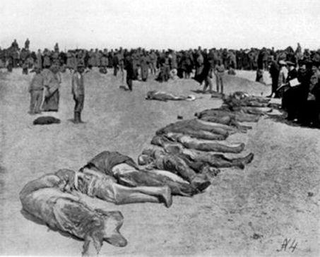 Тела казнённых в Евпатории, выброшенные на берег летом 1918 года