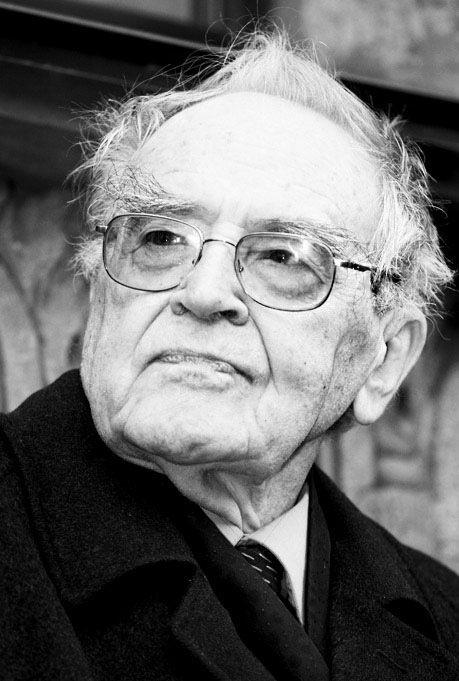 Нынешней весной известному историку, профессору РГГУ Сигурду Шмидту  исполнилось 90 лет. Его отец — академик Отто Юльевич Шмидт, покоритель и  исследователь ... 240bc10da1b