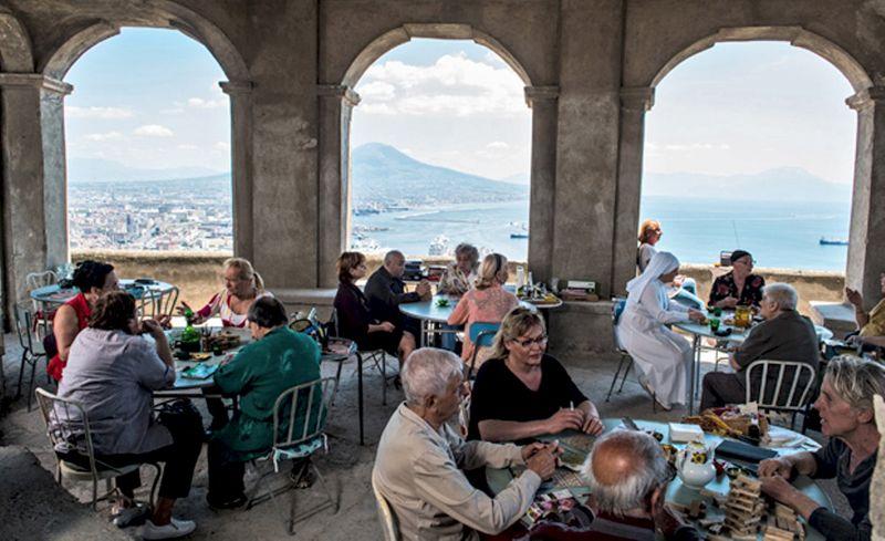 «Неаполь под пеленой»