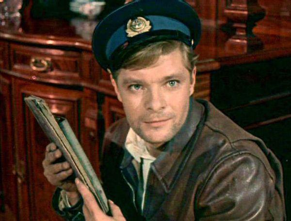 Смотреть онлайн два капитана(1976) в хорошем качестве