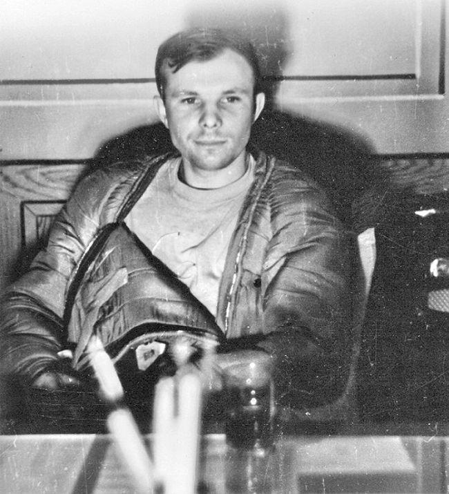 Gagarin_Kult_11_09.jpg