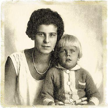 С мамой. 1927