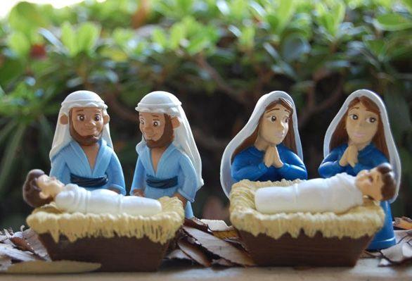 Испанский телеканал «La Sexta» продемонстрировал рождественские вертепы для геев, в которых Младенца Иисуса окружают два «папы» или две «мамы»