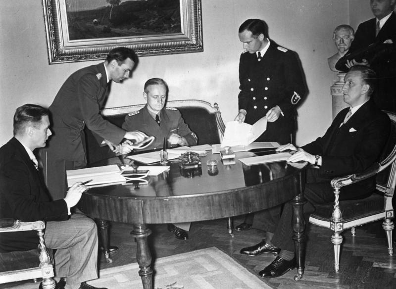 Подписание германо-эстонского и германо-латвийского договоров о ненападении